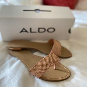 Adorable new never worn sandals!